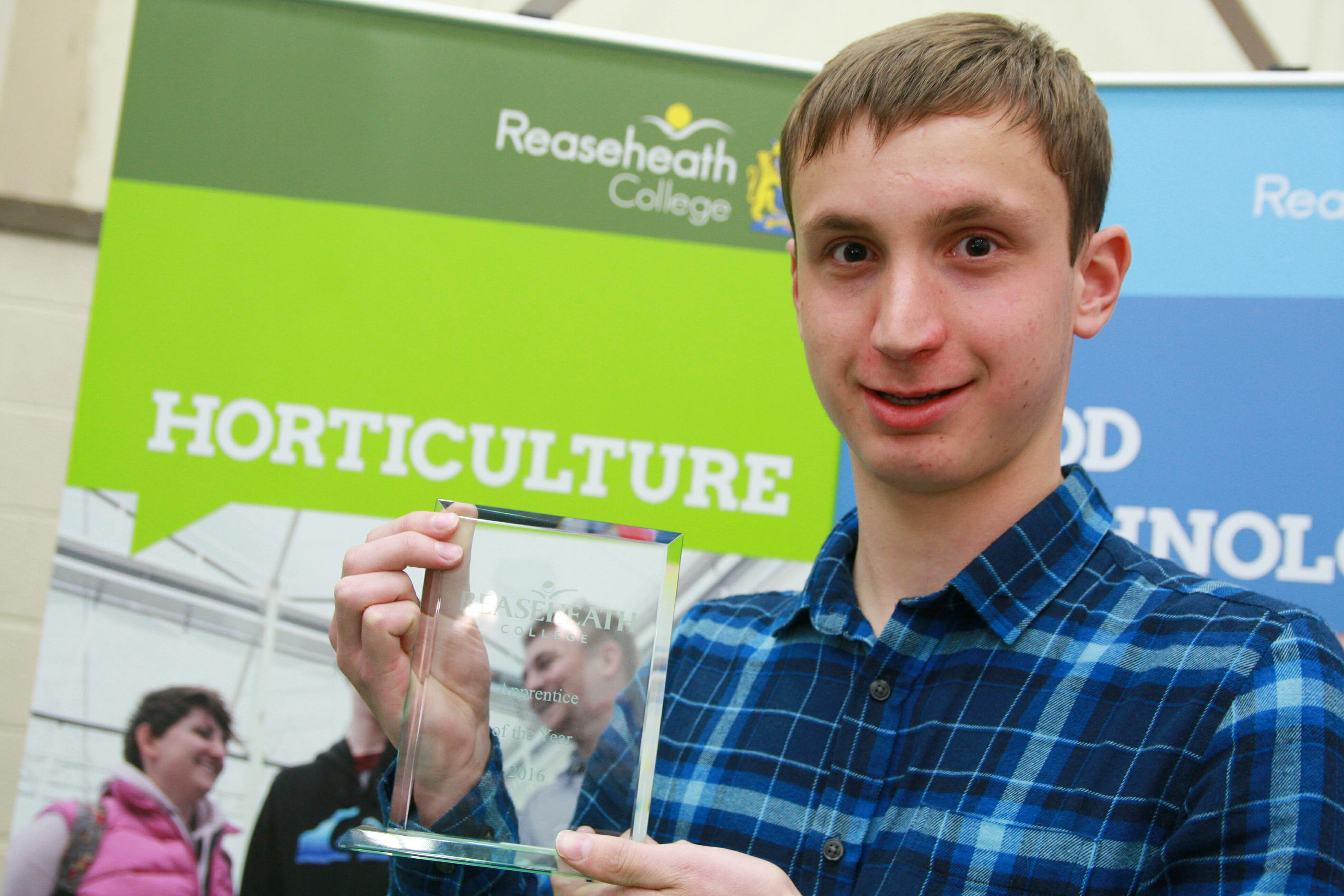 Accolade for Royal Liverpool apprentice greenkeeper